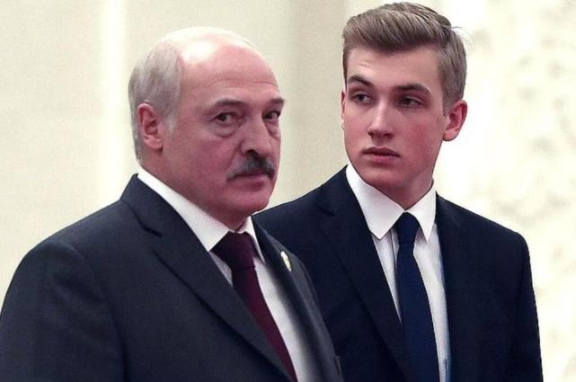 卢卡申科及其儿子。图片来源:俄罗斯的观察者