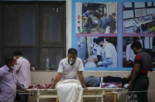 印度疫情严重(印媒图)