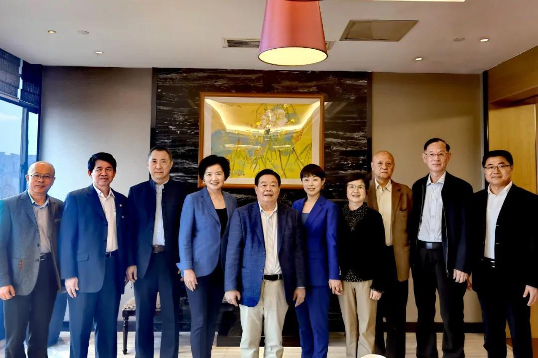 """近日,河仁慈善基金会理事会、监事会成员召开会议,对发起创立""""福耀科技大学""""的初步建设方案进行了讨论并达成共识。 图/受访者提供"""