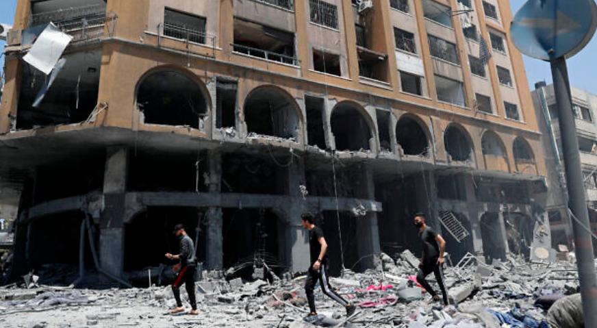 以色列空袭后的建筑残骸