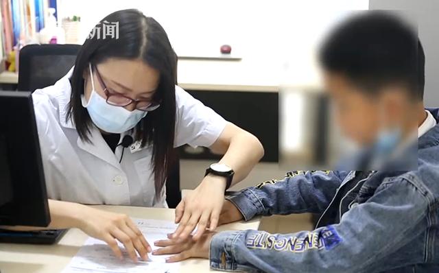 视频|9岁男孩中度铅中毒!医生:和他父母的工作有关