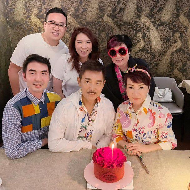 谢霆锋母亲狄波拉与小11岁老公庆结婚21周年,女儿谢婷婷越洋送祝福