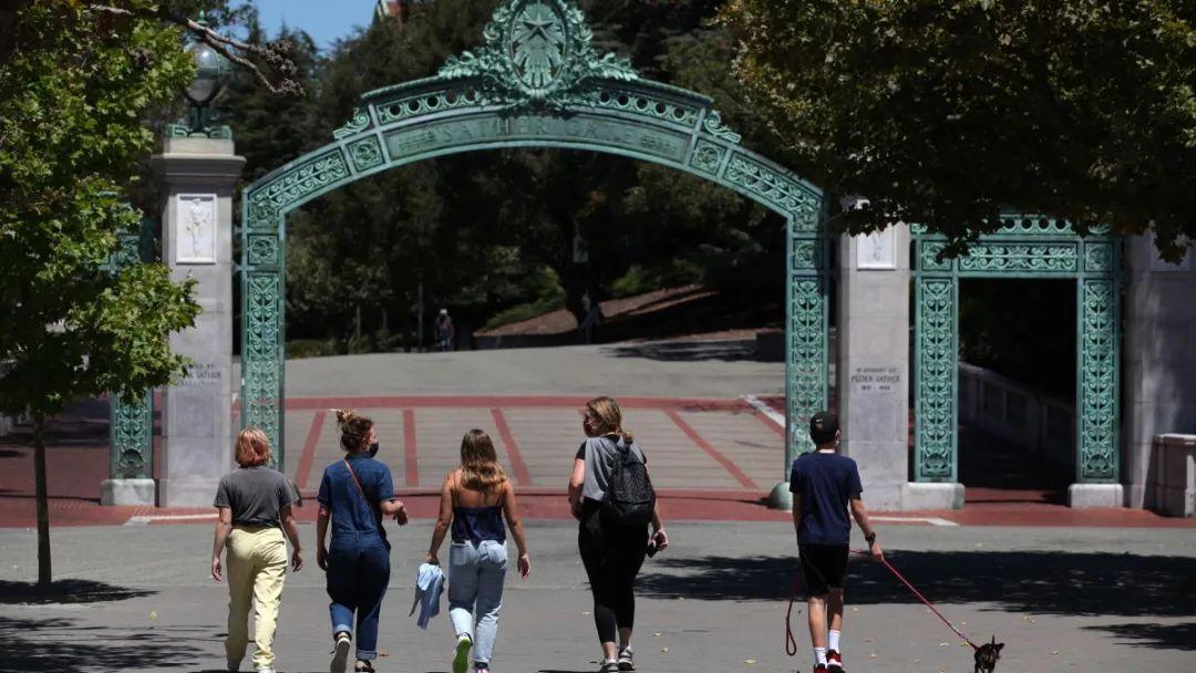 加州大学系统决定在招生中完全不考虑SAT和ACT成绩!