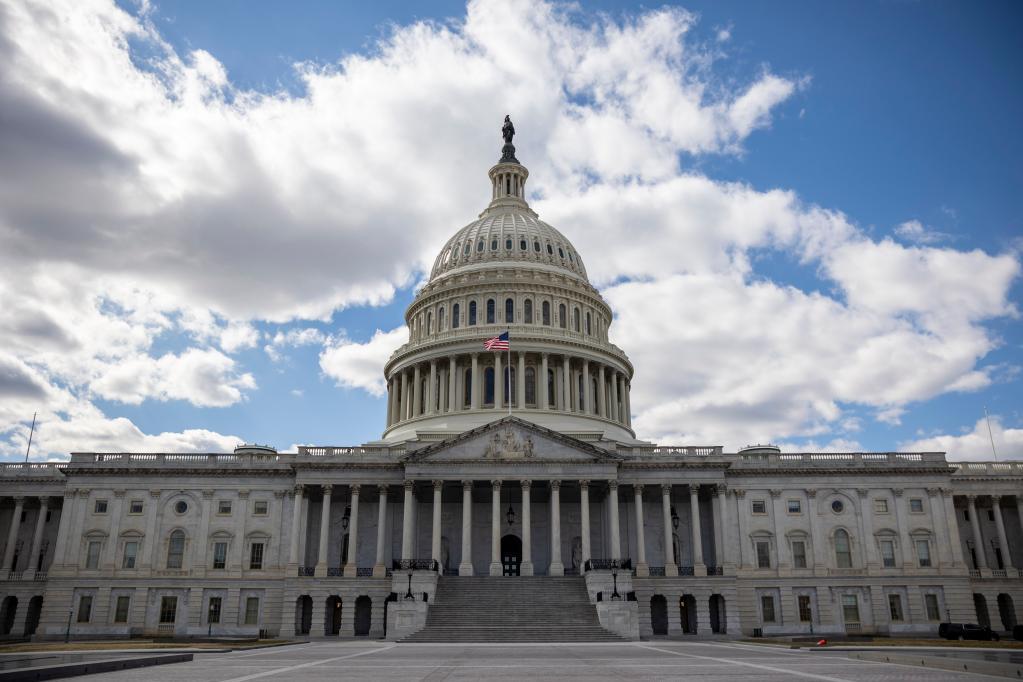 这是2021年3月6日在美国首都华盛顿拍摄的国会大厦。新华社发(沈霆 摄)