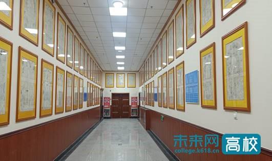 甘肃民族师范学院图书馆自主建成木刻版画(藏传)艺术展廊