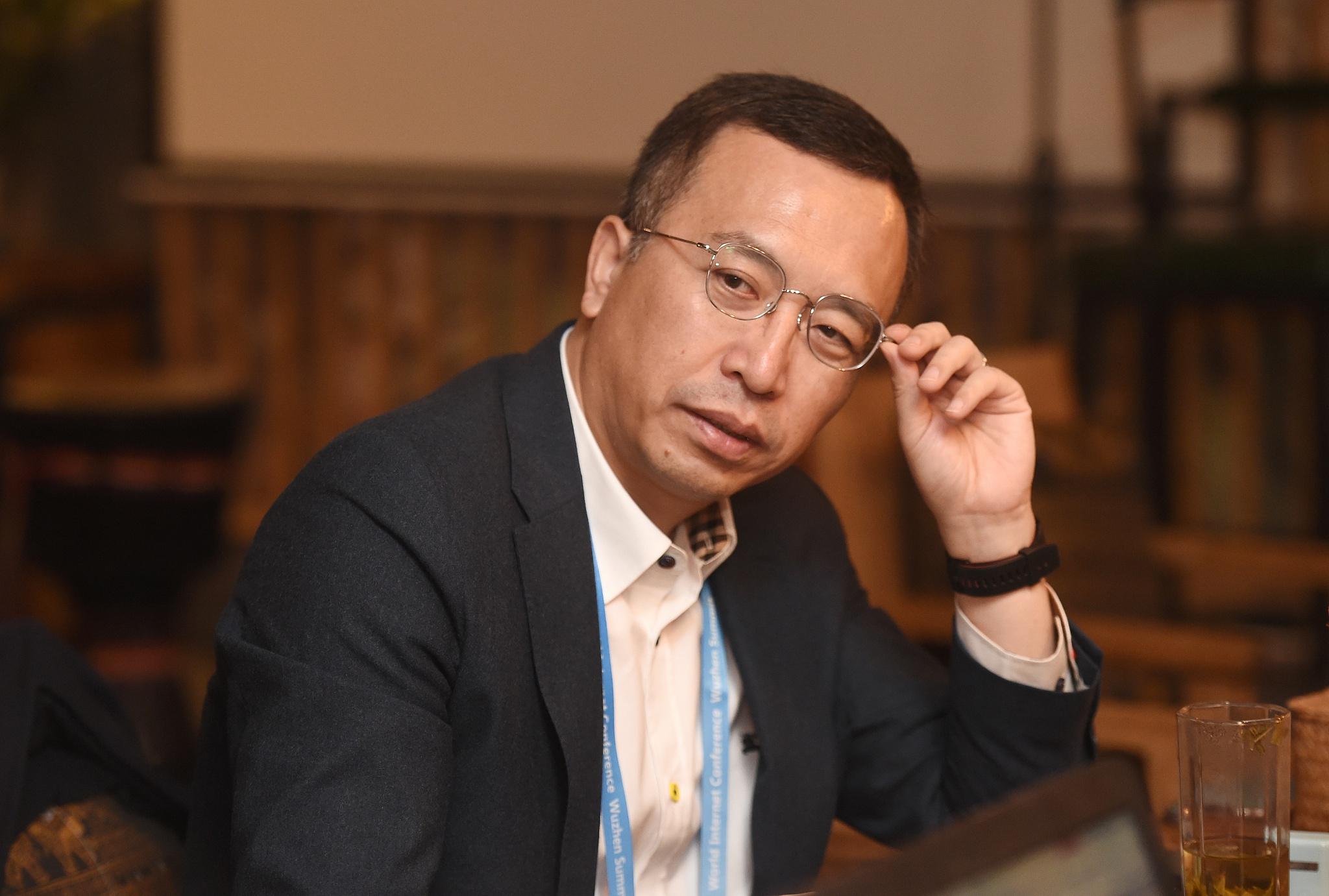 赵明称荣耀不造车,仍聚焦手机领域,未来要超苹果三星做全球第一