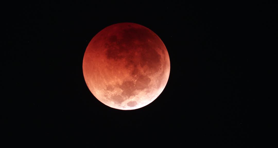 红色月全食+超级大月亮,千万别错过!观看攻略