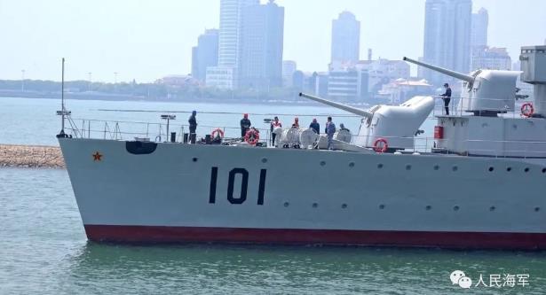"""国家一级文物101""""鞍山舰""""坞修完毕 成功返回海军博物馆码头"""