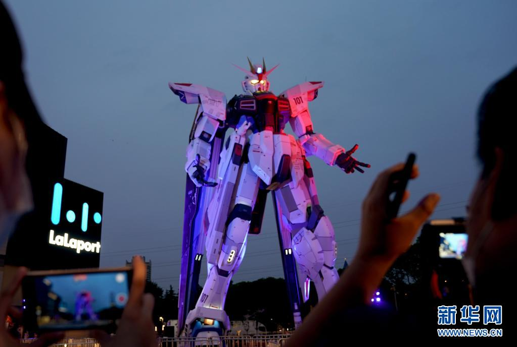 上海:18米高实物大自由高达立像正式启动