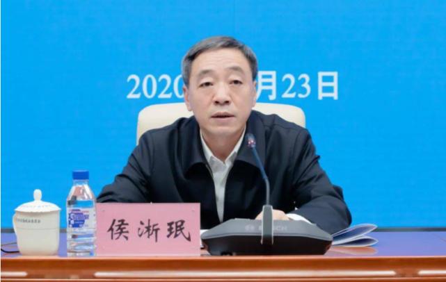 一年半内两次履新,曾给朱镕基写信的他调任湖北省纪委书记