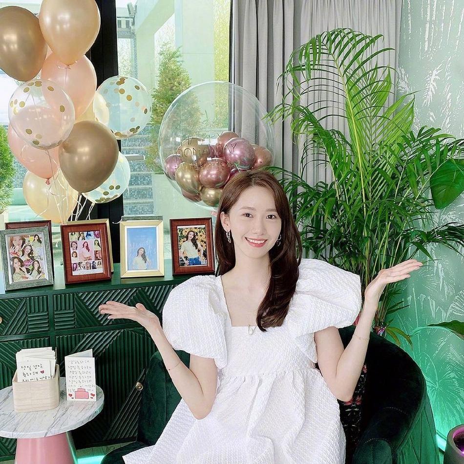 少女时代成员林允儿庆31岁生日:皮肤白皙水嫩 活力满满