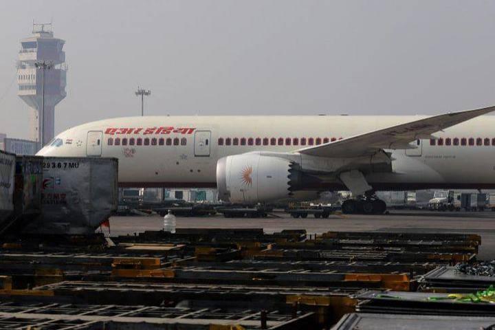 印度疫情重挫航空业,有些航班上只有1名乘客