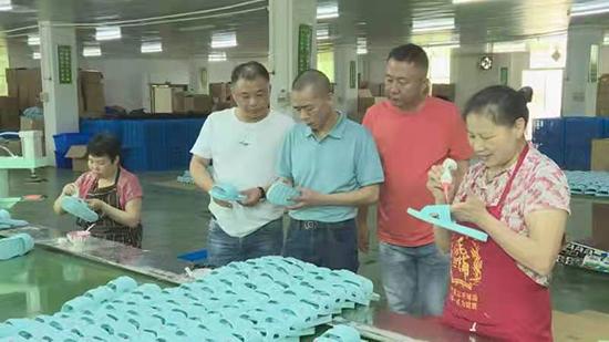 湖南邵东鞋业抱团出海 外贸出口倍增