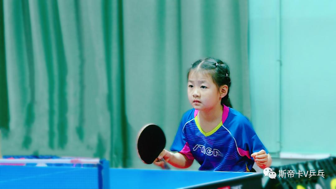 山东7岁李依依外表福原爱球风张怡宁 拥有百万粉丝成乒乓小网红