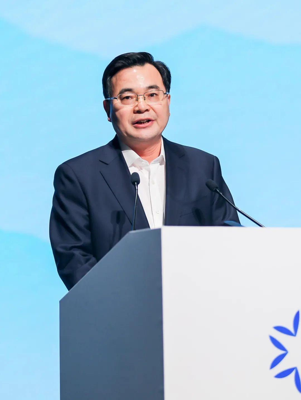 胡昌升在亚布力之夜——黑龙江省投资合作交流大会作主旨演讲