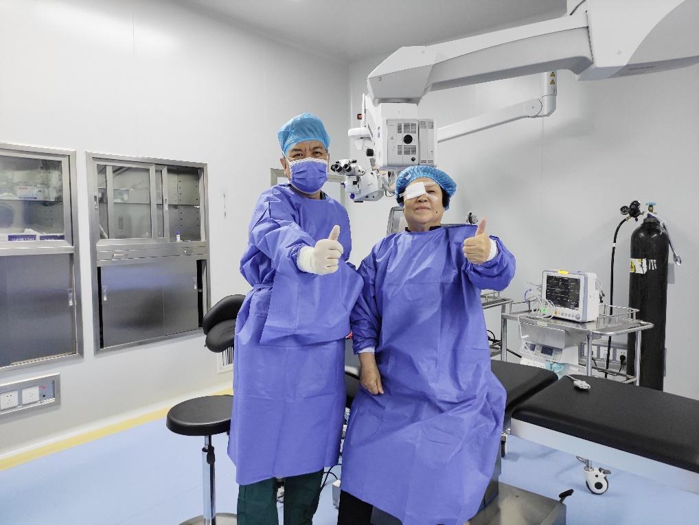 郑州尖峰眼科三焦点白内障手术 帮助老年人重获年轻优视力