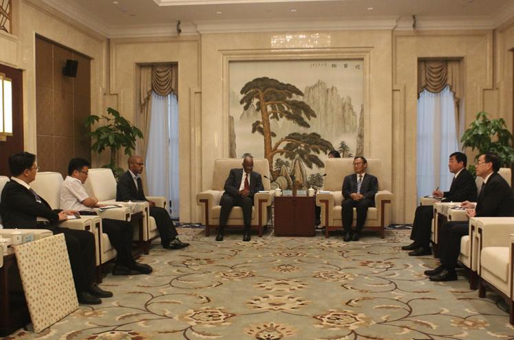 莱索托驻华大使塞特纳尼来潍访问