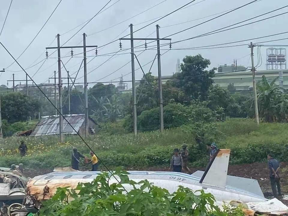 缅甸一架军用飞机失事,已造成13人遇难、3人受伤