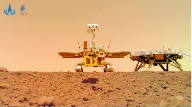 """火星首批科学影像公布!探火""""上海眼睛""""用激光在火星岩石上留下了印迹"""