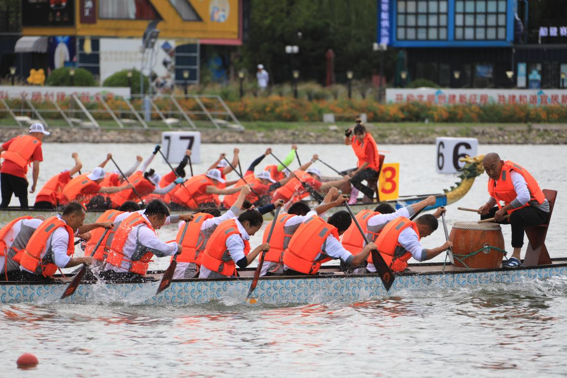 假期首日,来顺义奥林匹克水上公园看龙舟赛!