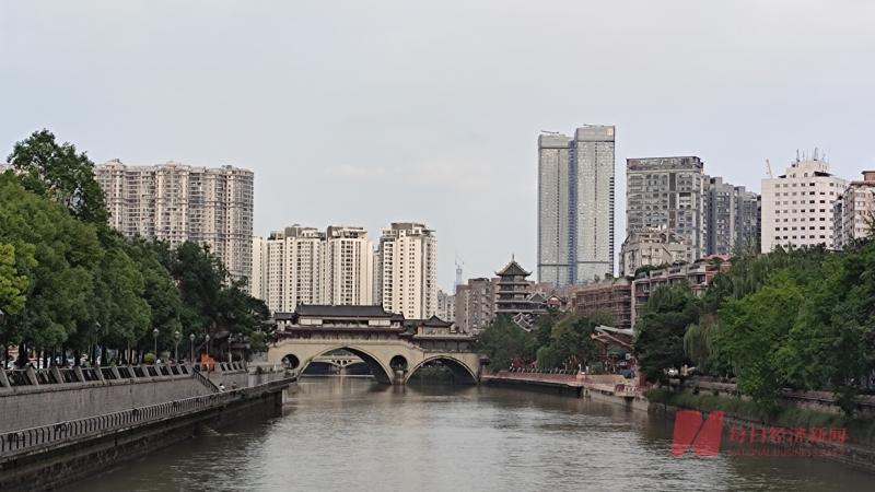 成都首批集中供地揽金355亿元,本土及中小房企拿地金额占超六成