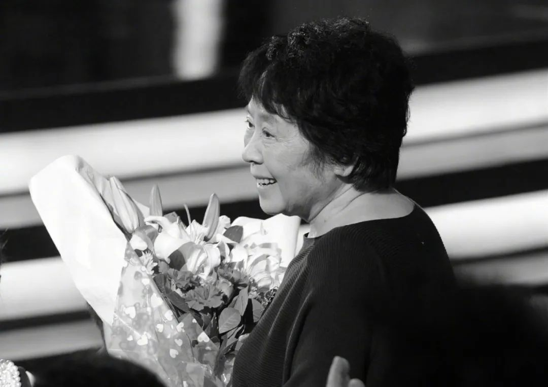 每日视听||《百炼成钢》今日开播,著名影视编剧、导演、词作家林汝为逝世