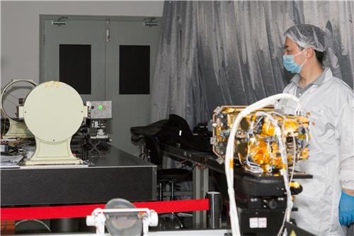 """中国首次探火成功:火星环绕器和火星车上有两台上海""""智造"""""""