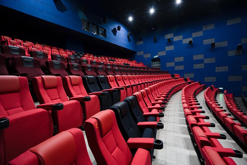 端午档十余部影片扎堆上映票房表现不如预期 电影市场缘何遇冷?