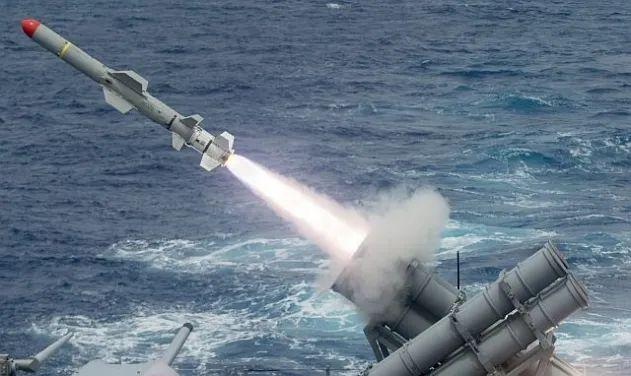 """资料图片:美军""""鱼叉""""反舰导弹试射。(美海军官网)"""
