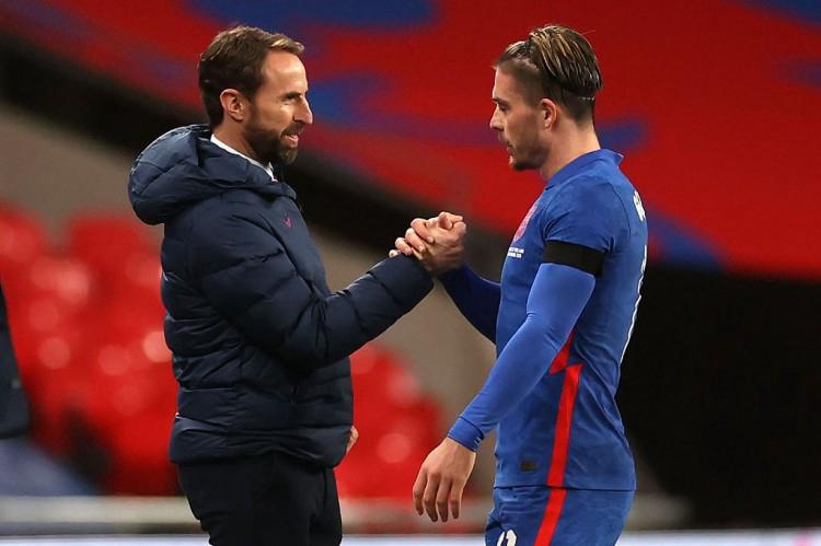 电讯报:格拉利什今天上午单独训练,未参与英格兰队合练