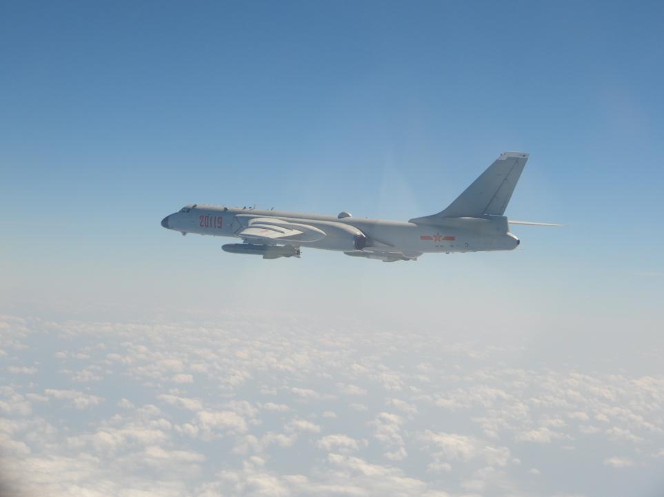 解放军轰-6战机(同型机)。图自台湾防务部门官网