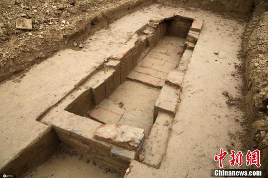 湖北襄阳发现二十多座唐代古墓葬