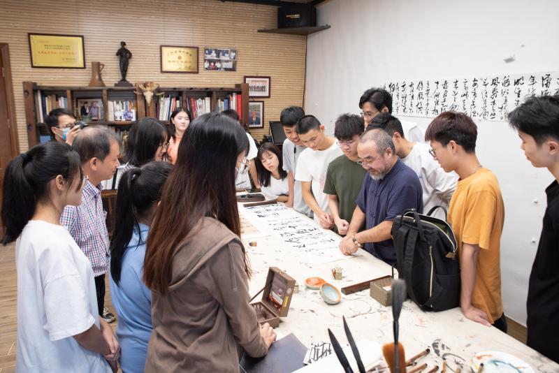 广州新华学院2021年计划招生5973人,新增互联网金融等4专业