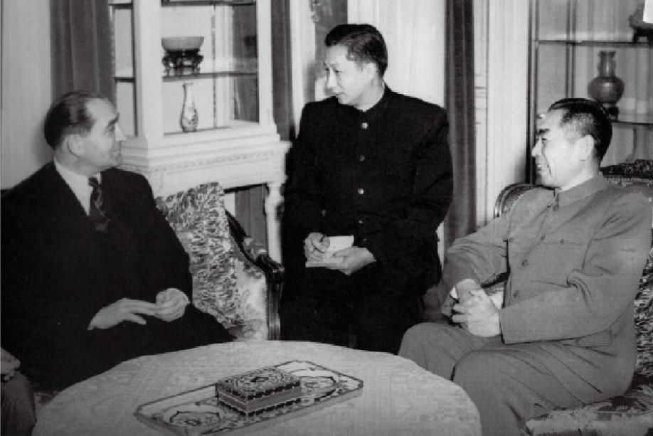 """资讯有故事丨""""法国应该直接倾听中国的声音""""——被称为""""外交核爆炸""""的中法建交"""