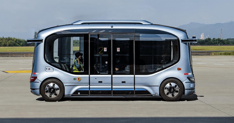宇通客车与长沙机场深度合作,无人驾驶巴士进行机坪内载人测试