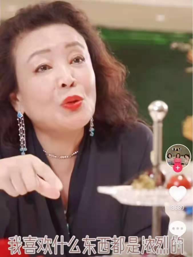 大S闹离婚第9天,汪小菲妈妈真面目曝光:这个女人,真狠