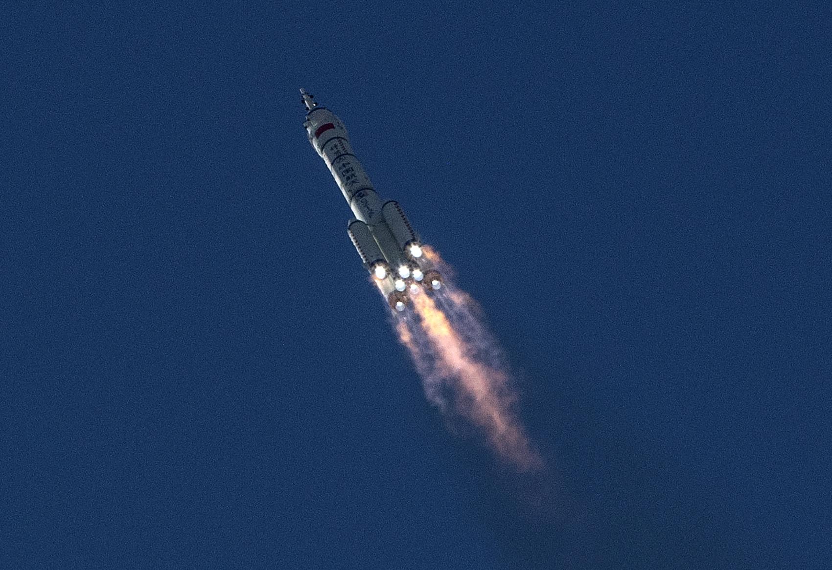 白酒航天梦:茅台酒曲上太空,新派酒企在火箭上打广告