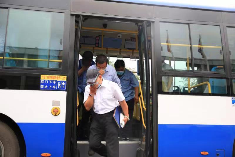 公交车自燃怎么办?顺义公交企业开展火灾事故应急演练