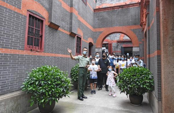 在初心之地做红色传人 武警上海总队执勤第四支队执勤十中队学党史铸忠诚的故事