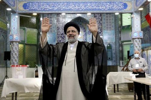 美联社:伊朗总统大选形势对强硬派有利 司法部长领跑其他三位候选人