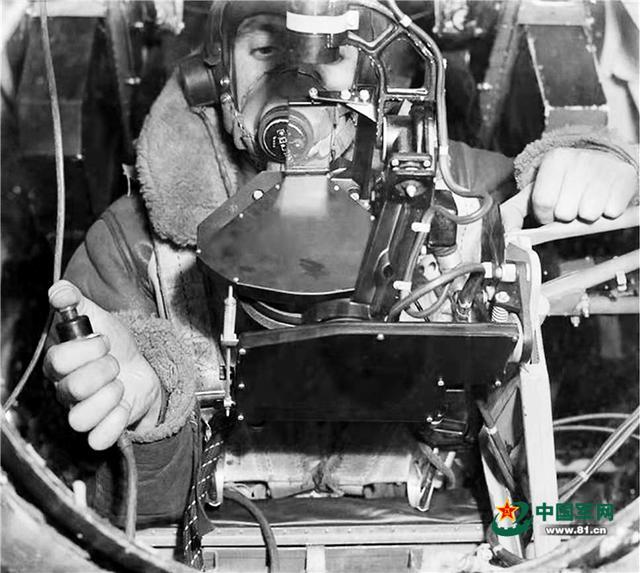 海军航空大学一级领航员倪勇:轰炸机瞄准具的由来