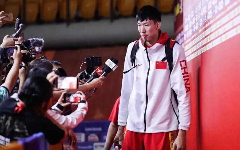 男篮亚预赛 | 中国队公布再战日本队名单 周琦复出沈梓捷在列