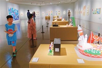 首届上海市少年儿童美术大展亮相中华艺术宫