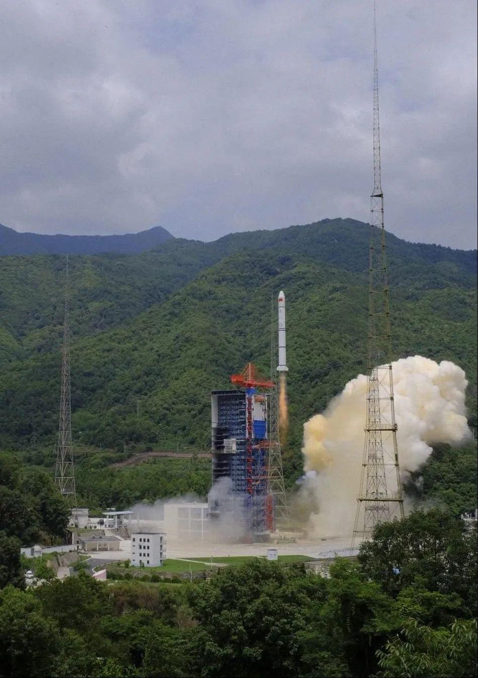 中国航天捷报频传:遥感三十号09组卫星成功发射(图)