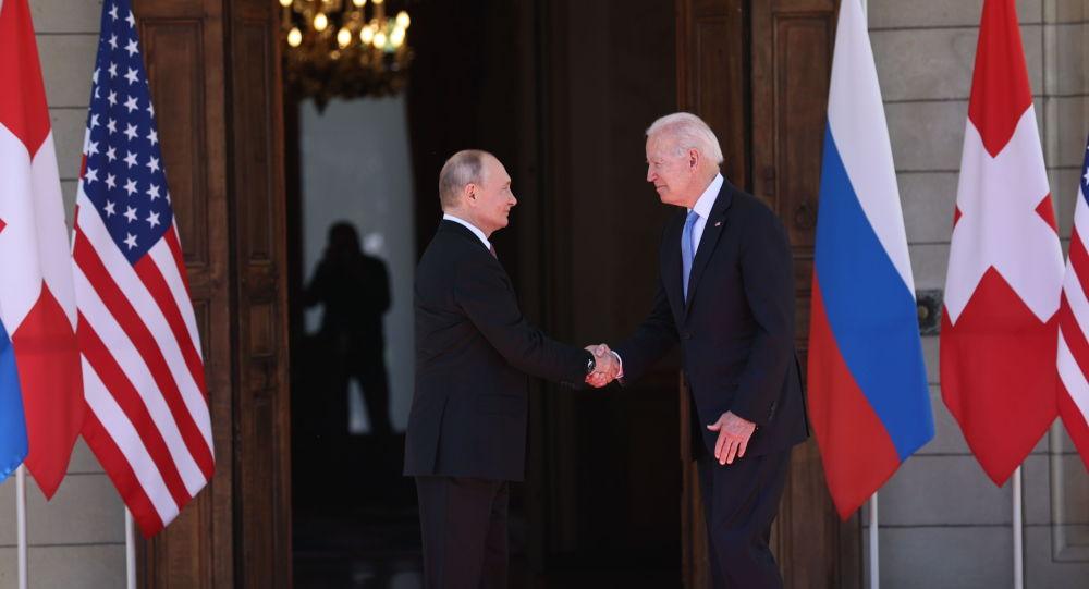 普京表示:很遗憾军备竞赛正隐蔽或公开进行,但这不是我们的错