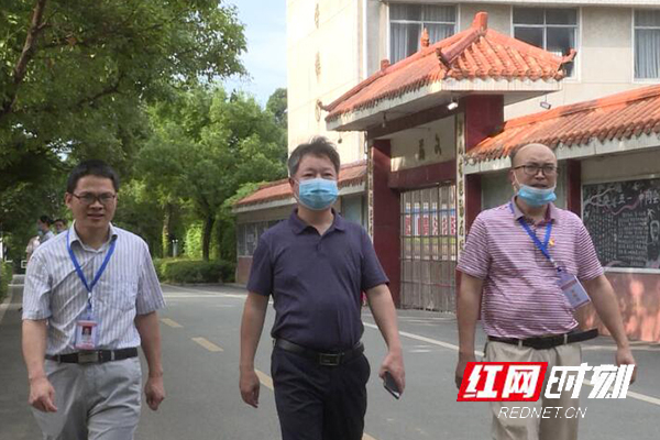 江华:李华林到江华二中巡视中考考务工作