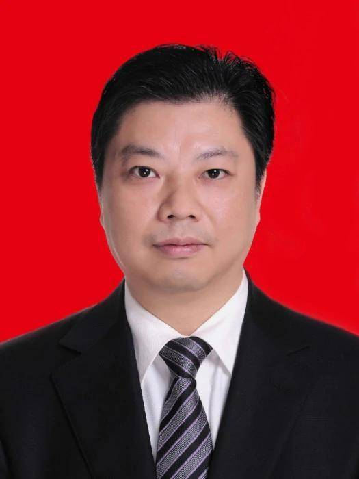 杨德宇任中共阆中市委书记