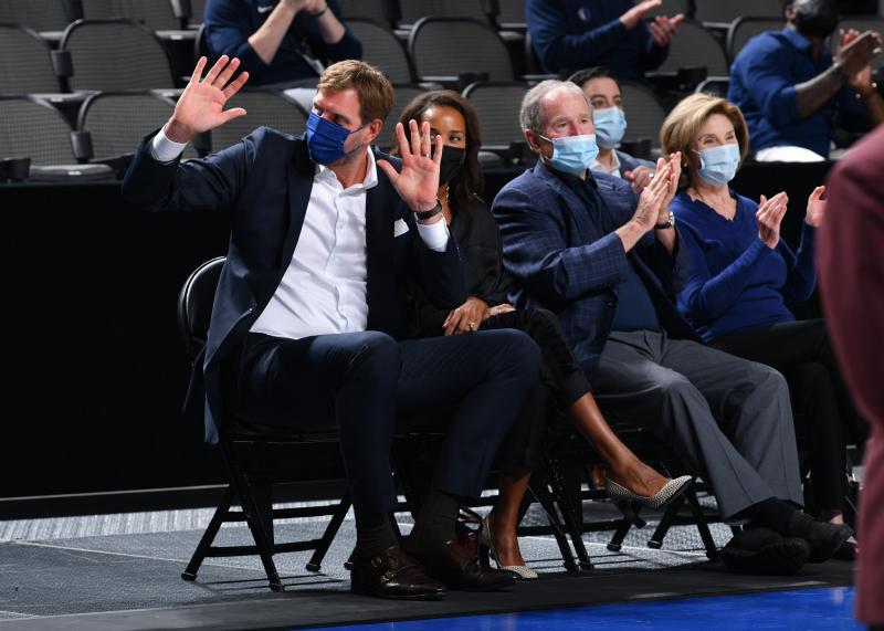 "NBA|""德国战车""诺维茨基生日前回归 独行侠要有新主帅?"