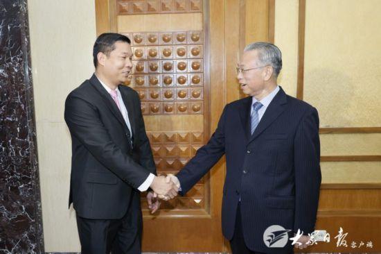 刘家义会见柬埔寨王国驻济南总领事山索峰