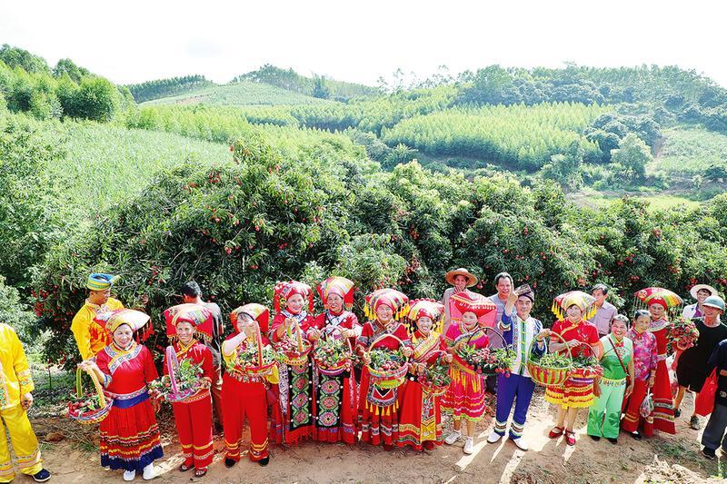 邕宁区:山歌颂党恩 乡村产业兴